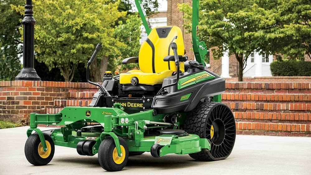 Keep Your Golf Course Looking Great with a John Deere Mower